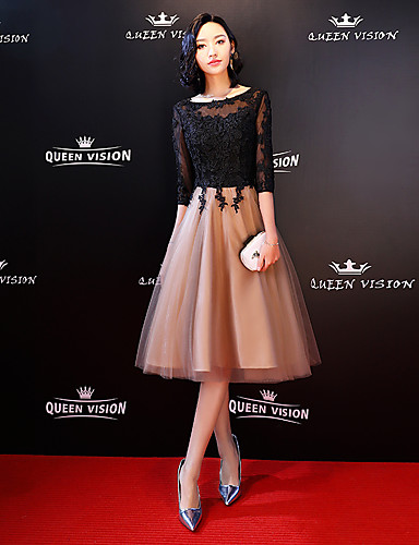 cheap Celebrity Dresses-A-Line Celebrity Style Black Wedding Guest Cocktail Party Dress Boat Neck Half Sleeve Knee Length Lace Tulle with Lace Insert Appliques 2020