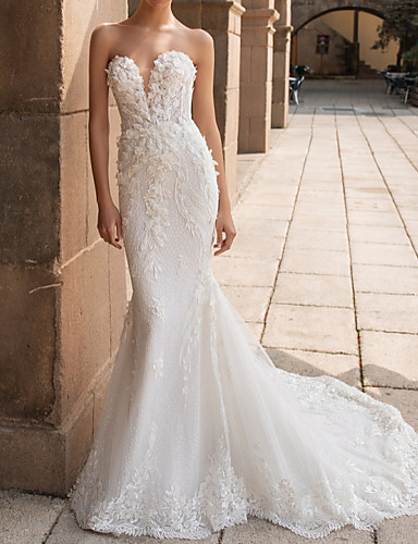 cheap Wedding Dresses-Mermaid / Trumpet Sweetheart Neckline Court Train Lace Strapless Mordern Sparkle & Shine Wedding Dresses with Appliques 2020