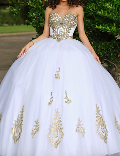 cheap Evening Dresses-Ball Gown Luxurious White Quinceanera Formal Evening Dress Sweetheart Neckline Sleeveless Floor Length Lace Tulle with Beading Appliques 2020