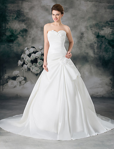 cheap Wedding Dresses-A-Line Sweetheart Neckline Court Train Satin / Taffeta Strapless Wedding Dresses with Ruched / Side-Draped 2020