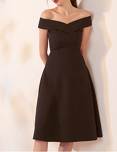 cheap Cocktail Dresses-A-Line Little Black Dress Homecoming Cocktail Party Dress Off Shoulder Short Sleeve Knee Length Spandex with Criss Cross 2020