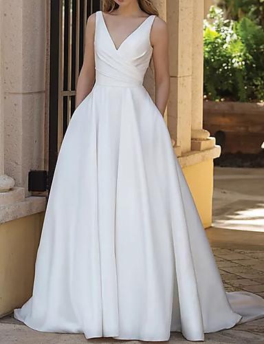preiswerte Hochzeitskleider-A-Linie Hochzeitskleider V-Ausschnitt Pinsel Schleppe Satin Ärmellos Rustikal Übergrössen mit Drapiert 2020