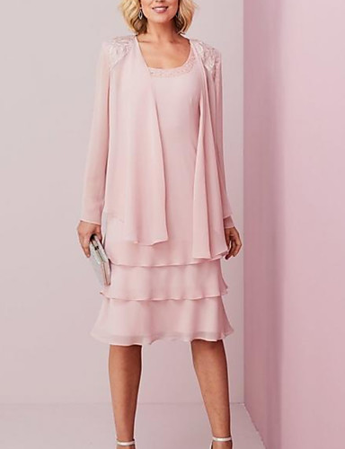 cheap Mother of the Bride Dresses-Two Piece Sheath / Column Mother of the Bride Dress Elegant Scoop Neck Knee Length Chiffon Lace Long Sleeve with Cascading Ruffles 2020