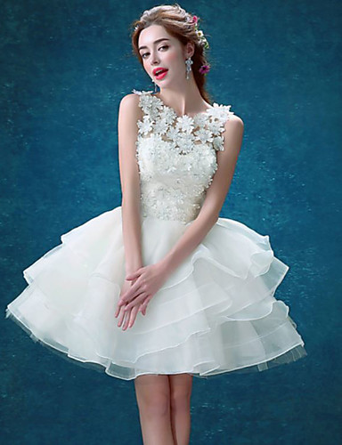 cheap Bridesmaid Dresses-Ball Gown Jewel Neck Short / Mini Lace / Tulle Bridesmaid Dress with Tier / Appliques