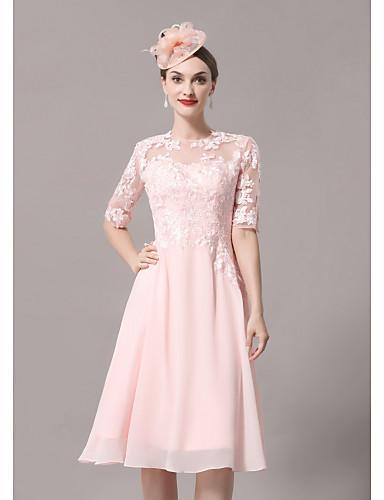 billige Bryllupsbutikken-A-linje Kjole til brudens mor Elegant Illusjon Hals Knelang Blonder Sateng Halvlange ermer med Plissert Appliqué 2020