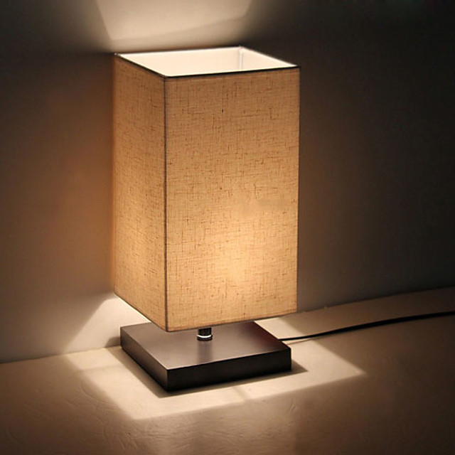 minimalistyczna lampa stołowa z litego drewna nocna lampka biurkowa nocna lampa z lnianym abażurem do sypialni salonu
