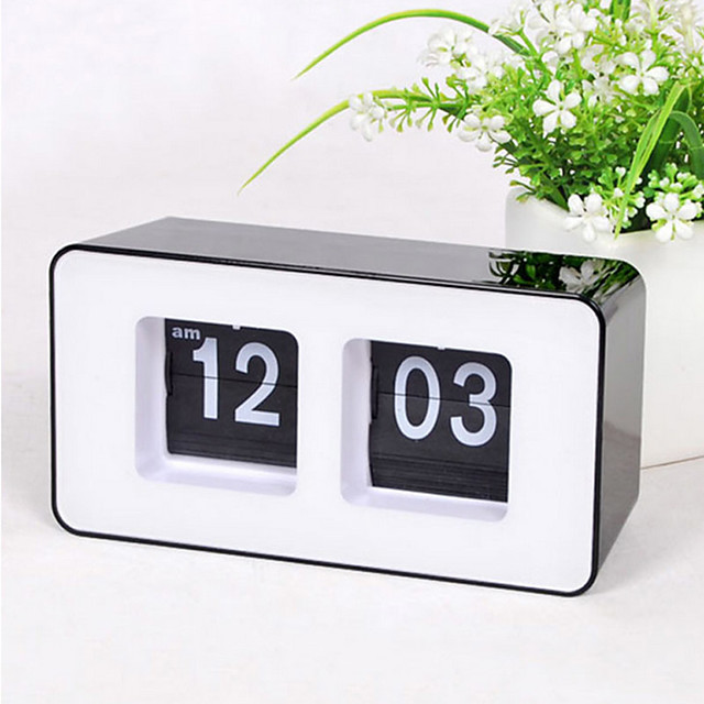 Retro Auto Flip Wall Clock Stylish AM/ PM Format Display Timepiece Home Decor