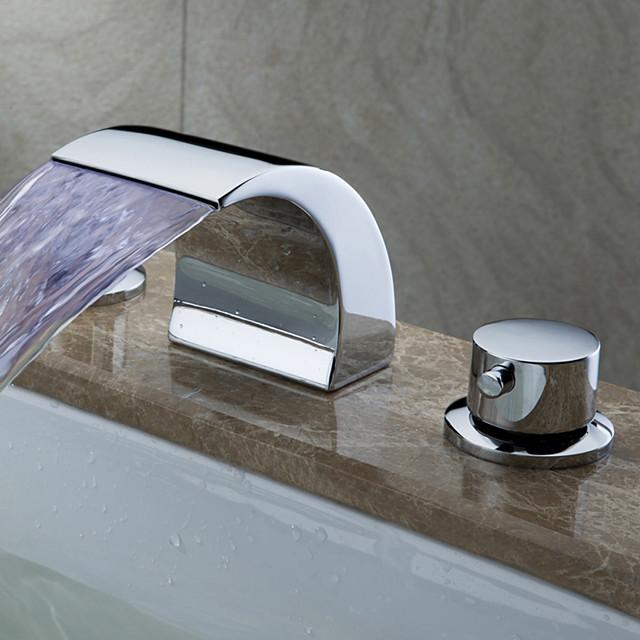 Nykyaikainen Art Deco/Retro Moderni Kolmiosainen Vesiputous Laajallle ulottuva LED Keraaminen venttiili Kaksi kahvaa kolme reikää Kromi,