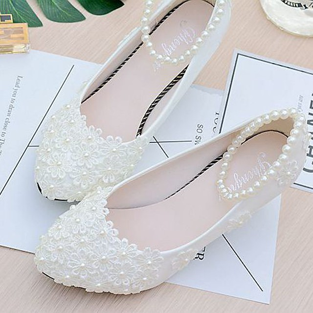 Women's Wedding Shoes Glitter Crystal Sequined Jeweled Low Heel Closed Toe Sweet Wedding Lace PU Imitation Pearl Lace Flower Solid Colored Summer White / EU41