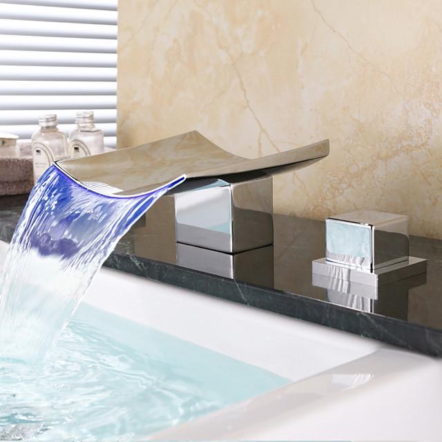 真ちゅう製のバスルームのシンクの蛇口、LEDの滝が広がるクロームデッキに取り付けられた2つのハンドルホットスイッチとコールドスイッチ付きの3つの穴のバスタップ