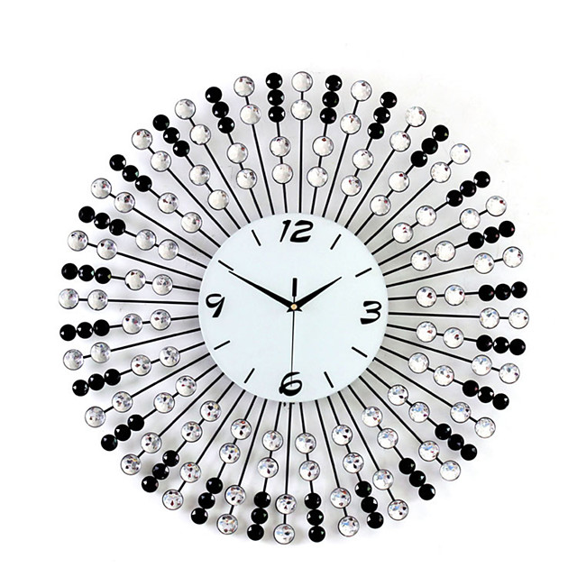 Wall Clock Modern Contemporary Fashion Deluxe Metal Round Indoor