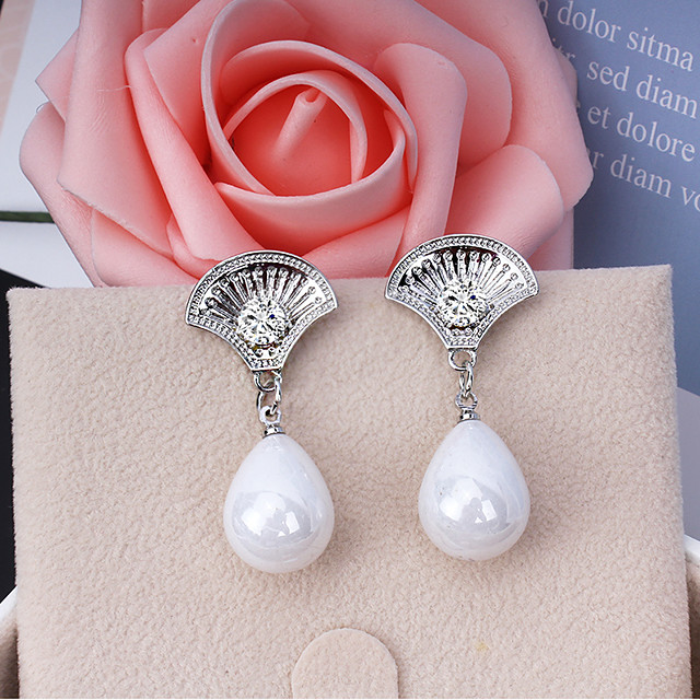 Women's Drop Earrings Dangle Earrings Pear Cut Drop Fashion Elegant Earrings Jewelry Gold / Silver For Wedding Party Anniversary Engagement Street 1 Pair