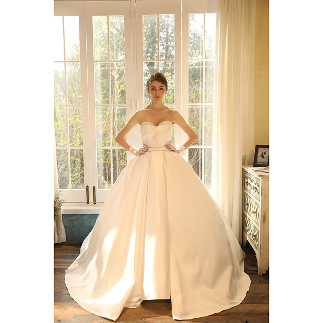 Ball Gown Wedding Dresses Strapless Sweep / Brush Train Satin Sleeveless Romantic with Crystals 2020