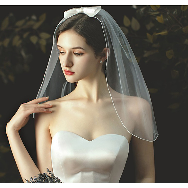 One-tier Cute Wedding Veil Shoulder Veils with Satin Bow / Solid 23.62 in (60cm) Tulle