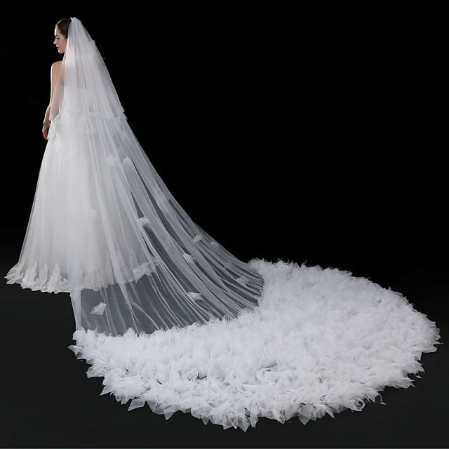 Two-tier Elegant & Luxurious Wedding Veil Cathedral Veils with Petal / Solid 196.85 in (500cm) Tulle
