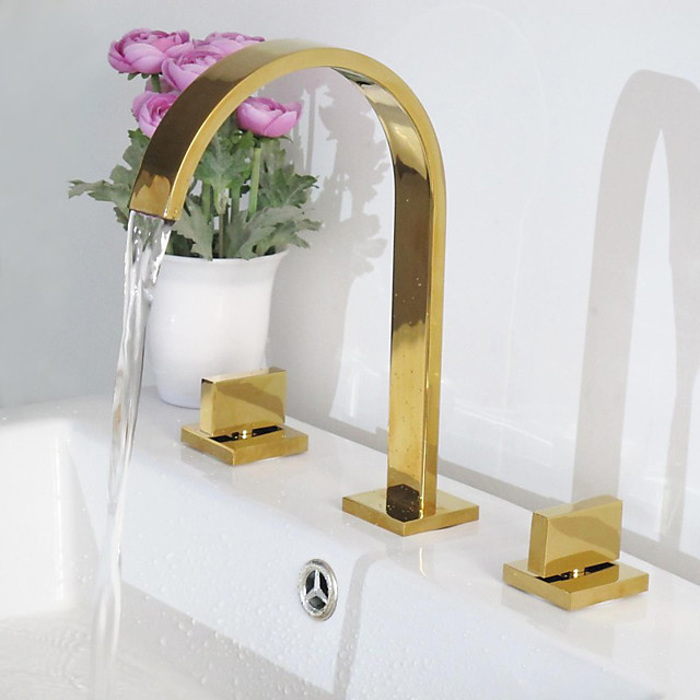 Bathroom Sink Faucet - Rotatable / Widespread / Waterfall Ti-PVD Deck Mounted Two Handles Three HolesBath Taps