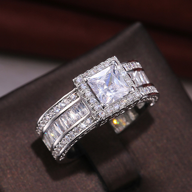 Women's Ring Cubic Zirconia 1pc White Alloy Round Luxury Vintage Wedding Engagement Jewelry Lovely