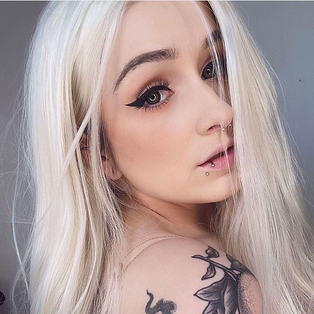Synthetic Lace Front Wig Straight Gaga Middle Part Lace Front Wig Blonde Long Platinum Blonde Synthetic Hair 22-26 inch Women's Heat Resistant Women Hot Sale Blonde / Glueless