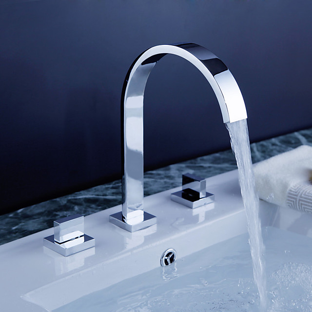 Bathroom Sink Faucet - Rotatable / Widespread / Waterfall Chrome Deck Mounted Two Handles Three HolesBath Taps