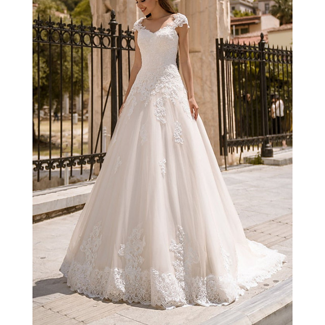 Ball Gown Wedding Dresses V Neck Sweep / Brush Train Lace Tulle Sleeveless Country with Appliques 2021