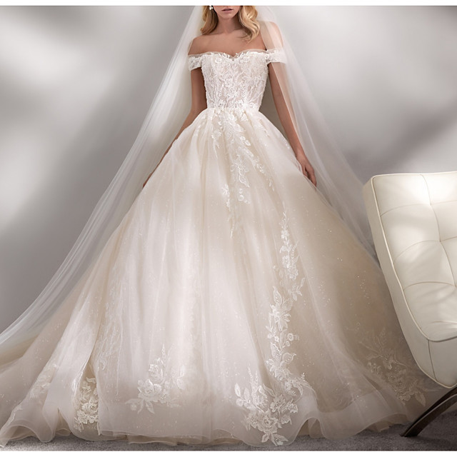 Ball Gown Wedding Dresses Off Shoulder Chapel Train Lace Tulle Short Sleeve Formal Luxurious with Appliques 2021