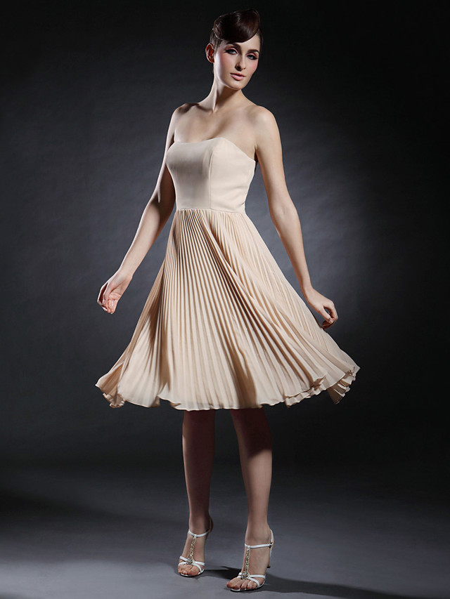 A-Line Celebrity Style All Celebrity Styles Inspired by Taylor Swift Homecoming Cocktail Party Dress Strapless Sweetheart Neckline Sleeveless Knee Length Chiffon Stretch Satin with Pleats 2020