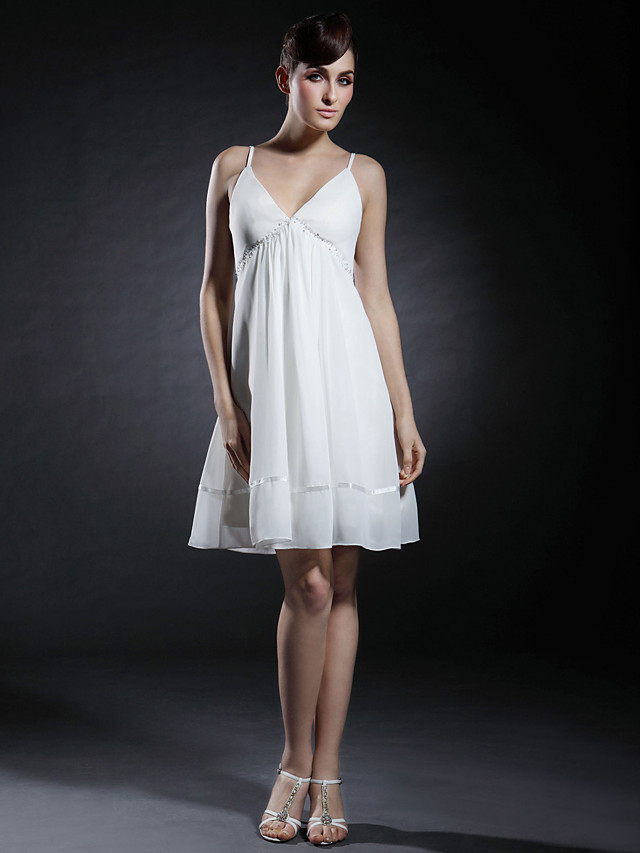 Ball Gown Celebrity Style All Celebrity Styles Inspired by Taylor Swift Homecoming Graduation Cocktail Party Dress V Neck Spaghetti Strap Sleeveless Short / Mini Chiffon Stretch Satin with Beading