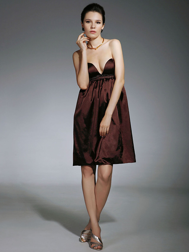 Sheath / Column Celebrity Style All Celebrity Styles Inspired by TV Stars Homecoming Cocktail Party Dress Strapless Sweetheart Neckline Sleeveless Short / Mini Satin with Beading 2020