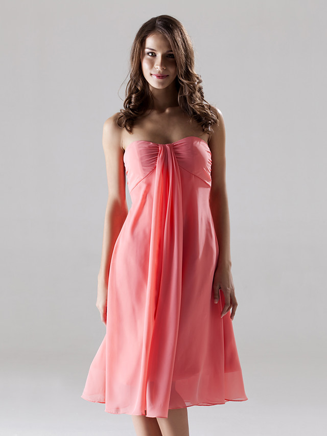 Sheath / Column Strapless / Sweetheart Neckline Knee Length Chiffon Bridesmaid Dress with Ruched