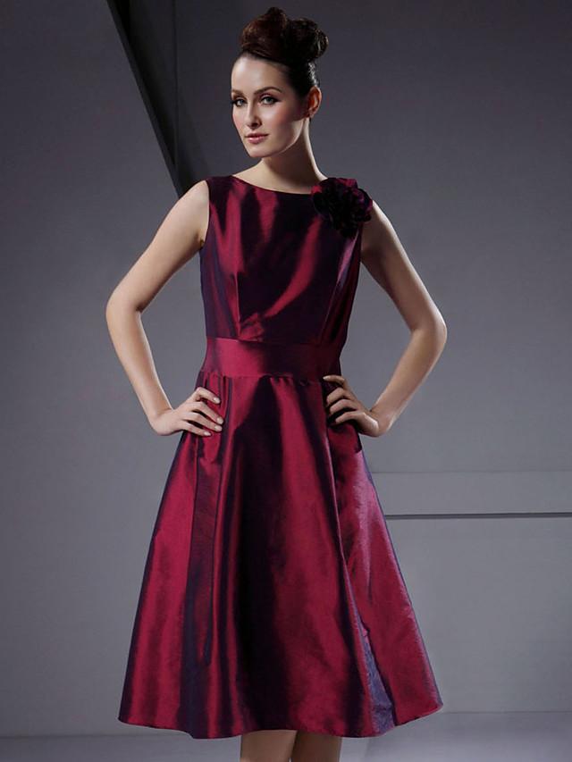 A-Line / Ball Gown Bateau Neck Knee Length Taffeta Bridesmaid Dress with Flower