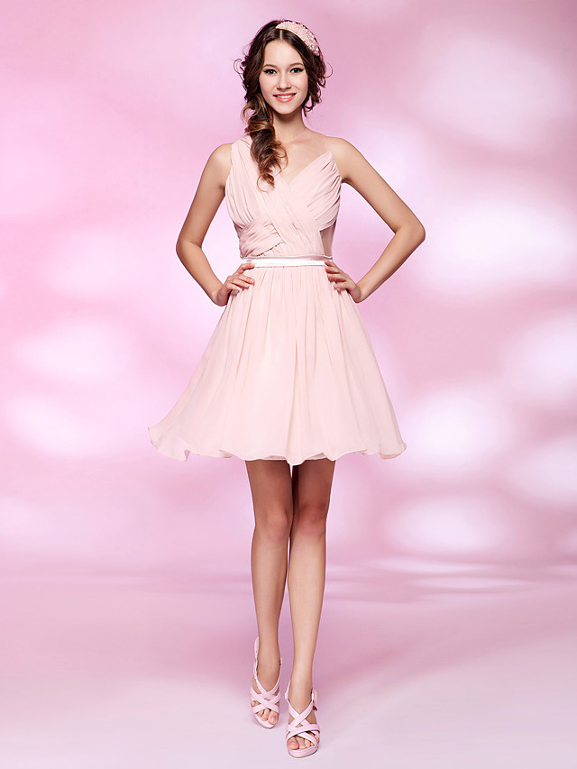 Back To School A-Line Celebrity Style All Celebrity Styles Inspired by Taylor Swift Homecoming Cocktail Party Dress V Neck Sleeveless Short / Mini Chiffon Tulle with Sash / Ribbon Criss Cross Draping