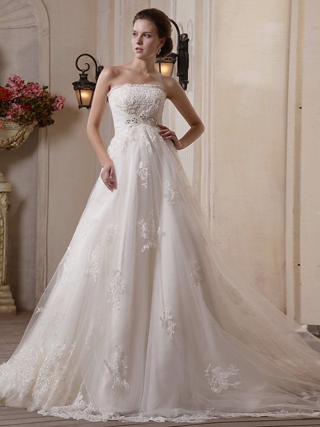 Princess A-Line Wedding Dresses Strapless Scalloped-Edge Chapel Train Satin Tulle Sleeveless with 2020