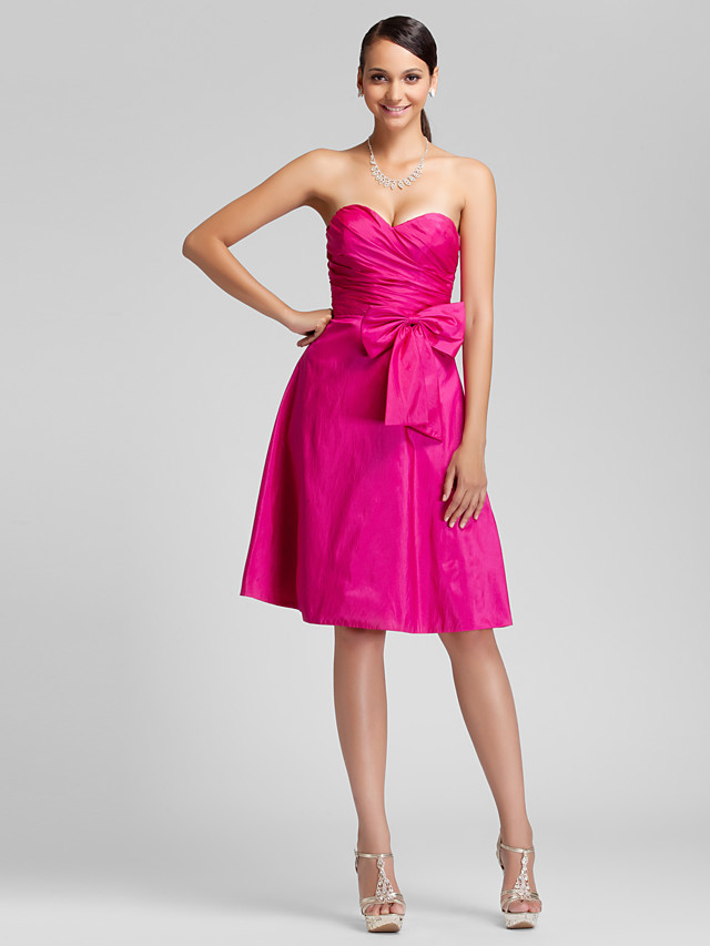 Ball Gown / A-Line Strapless / Sweetheart Neckline Knee Length Taffeta Bridesmaid Dress with Bow(s) / Side Draping / Open Back