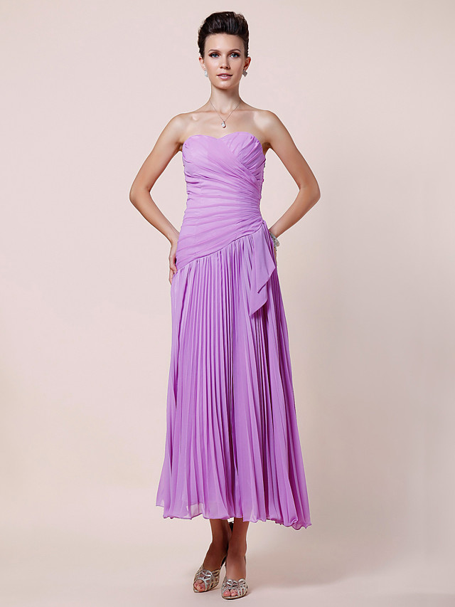 A-Line Mother of the Bride Dress Elegant Strapless Sweetheart Neckline Tea Length Chiffon Sleeveless with Criss Cross Pleats Side Draping 2020