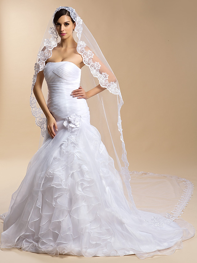 One-tier Lace Applique Edge Wedding Veil Cathedral Veils with 118.11 in (300cm) Lace / Tulle Sheath / Column / Trumpet / Mermaid