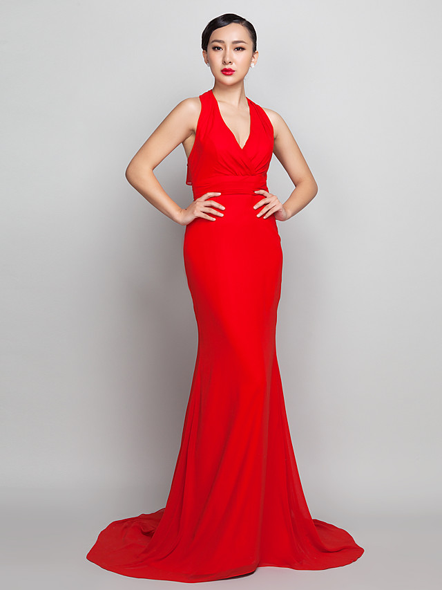 Sheath / Column Open Back Formal Evening Dress Halter Neck Sleeveless Sweep / Brush Train Chiffon with Ruched 2020