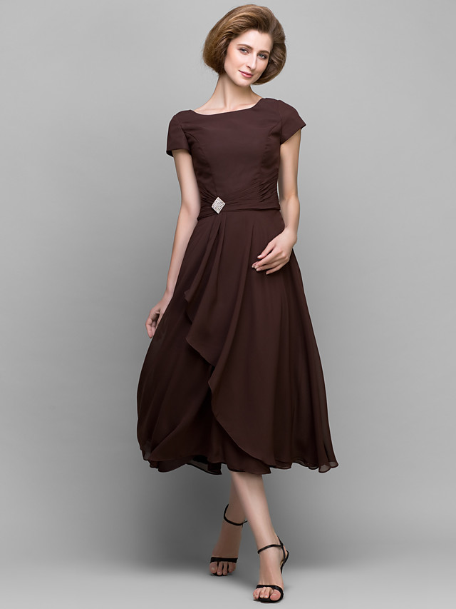 A-Line Mother of the Bride Dress Scoop Neck Tea Length Chiffon Short Sleeve with Crystals Side Draping 2020