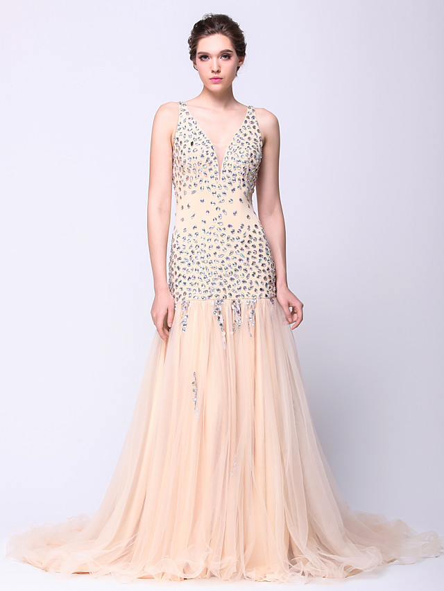 Fit & Flare Sparkle & Shine Beaded & Sequin Prom Formal Evening Dress Plunging Neck Sleeveless Court Train Tulle with Beading 2020