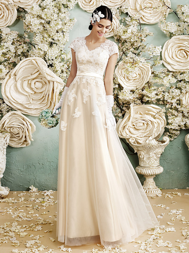 A-Line V Neck Floor Length Satin / Lace Over Tulle Short Sleeve Vintage Illusion Detail Wedding Dresses with Appliques 2020