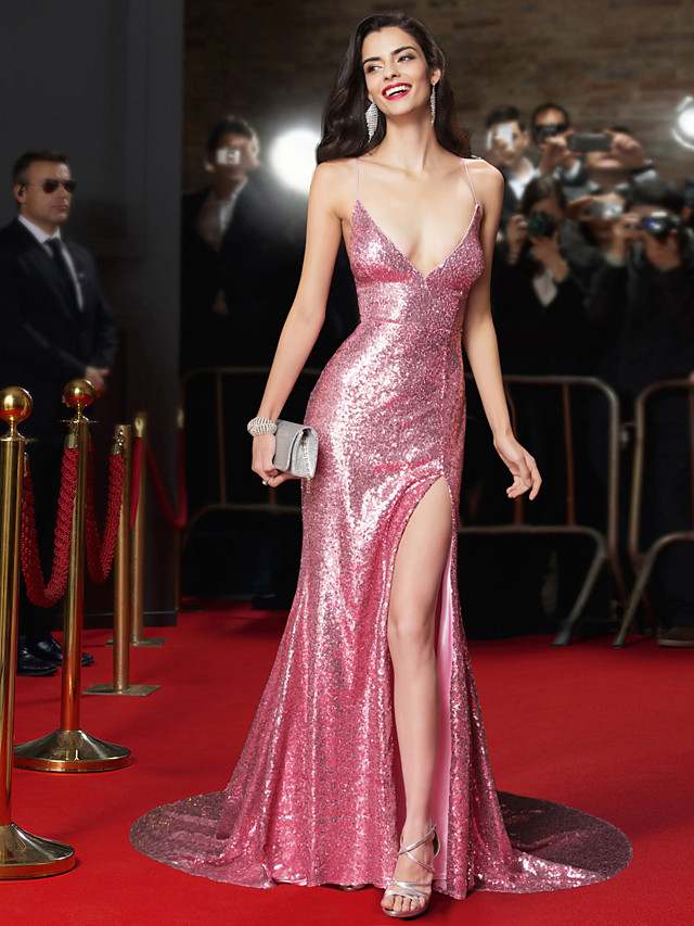 Mermaid / Trumpet Plunging Neck Court Train Sequined Celebrity Style / Beaded & Sequin Formal Evening Dress with Sequin 2020