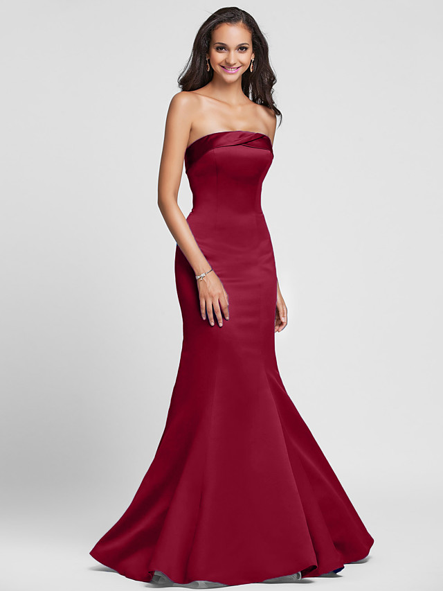 Mermaid / Trumpet Strapless Floor Length Satin Bridesmaid Dress with Side Draping