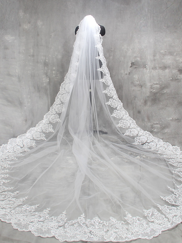 One-tier Lace Applique Edge Wedding Veil Cathedral Veils with Appliques Lace / Tulle / Classic