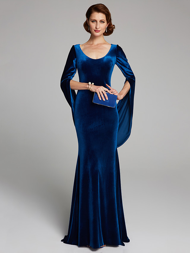 Mermaid / Trumpet Mother of the Bride Dress Vintage Sexy Plus Size Scoop Neck Sweep / Brush Train Velvet Long Sleeve with Pleats 2020
