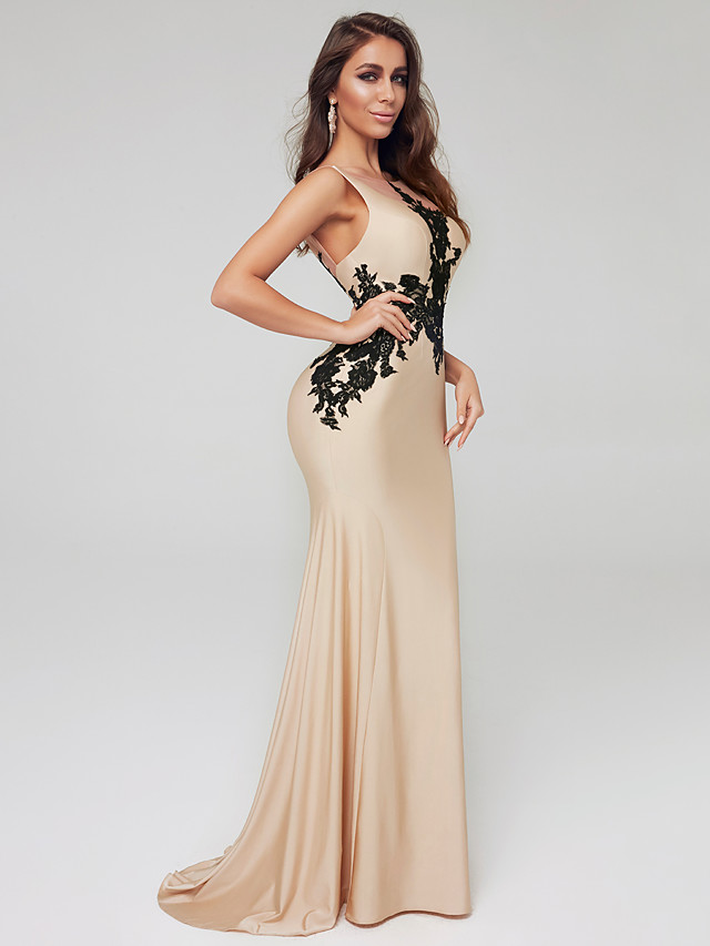 Mermaid / Trumpet Sheath / Column Celebrity Style Formal Evening Dress Boat Neck Sleeveless Floor Length Lace Satin with Appliques 2020