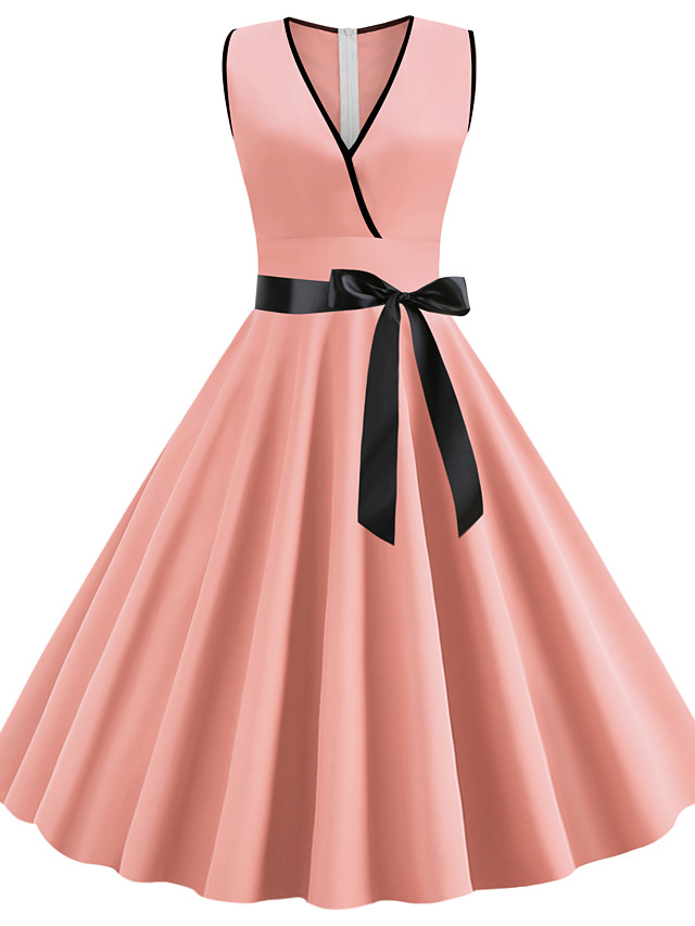 A-Line Elegant Vintage Cocktail Party Homecoming Dress V Neck Sleeveless Knee Length Spandex with Pleats 2020