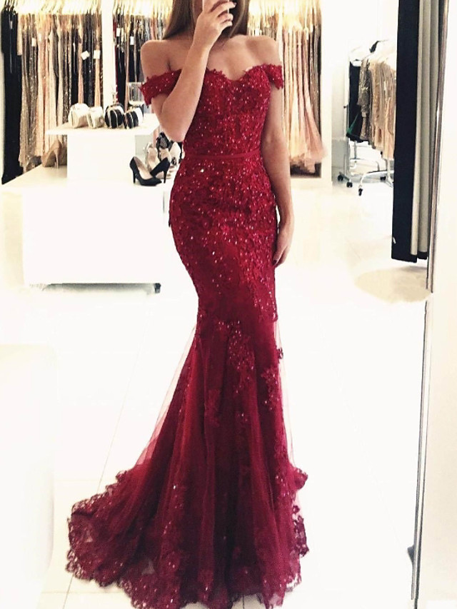 Mermaid / Trumpet Sparkle Red Prom Formal Evening Dress Off Shoulder Short Sleeve Sweep / Brush Train Lace with Sequin Appliques 2020
