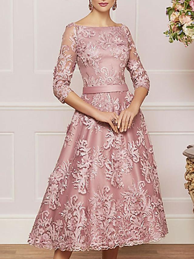A-Line Mother of the Bride Dress Vintage Plus Size Bateau Neck Tea Length Lace 3/4 Length Sleeve with Beading Appliques 2020