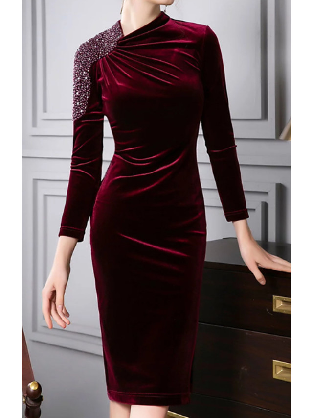 Sheath / Column Mother of the Bride Dress Plus Size Jewel Neck Knee Length Sequined Velvet 3/4 Length Sleeve with Crystals 2020