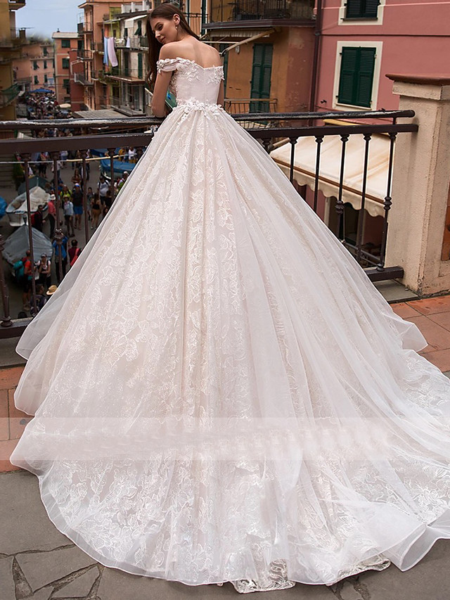 Ball Gown Wedding Dresses Off Shoulder Chapel Train Lace Tulle Short Sleeve with Appliques 2020