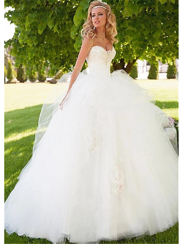 Ball Gown Wedding Dresses Sweetheart Neckline Floor Length Tulle Strapless Beautiful Back with 2020